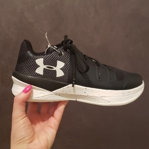 New Womens Under Armour Black Sneakers Size 5